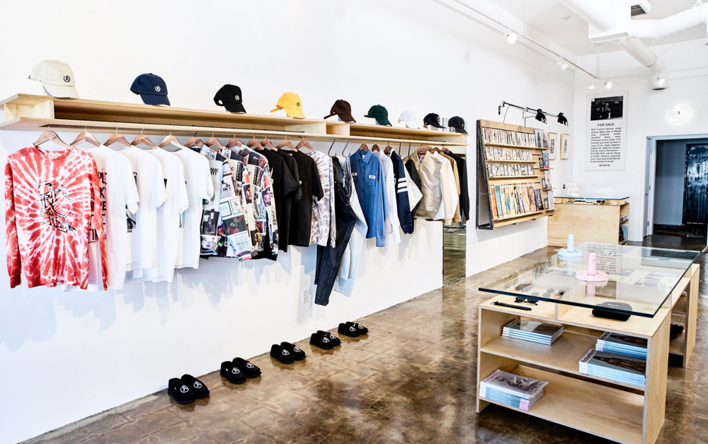 💥 Richardson 💥 - Richardson is a a high-end boutique with a provocative mix of streetwear.https://www.richardsonshop.com/📍8044.5 West 3rd St, Los Angeles, CA 90048