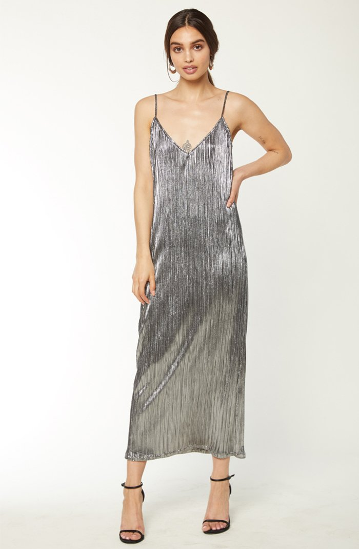 Drew Slip-Gunmetal/Black Lame -Brigitte & stone - Shine bright like a diamond? This dress will make sure of that. Nothing screams a celebration like a dress this shiny and eye-catching. Everyone will be dancing with you like the disco girl you are.