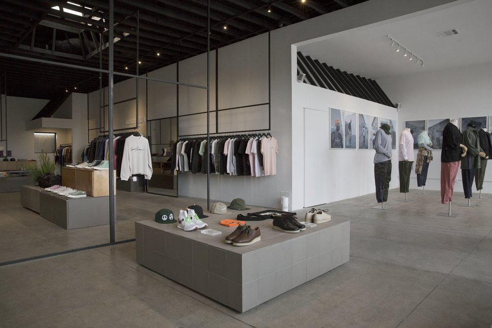 COMMONWEALTH - With a decade in the industry, Commonwealth has become known as an award winning specialty boutique. Collaborations with leaders in art, music, and counter culture has made the lifestyle brand a pioneer in style.Visit their store in Downtown LA.