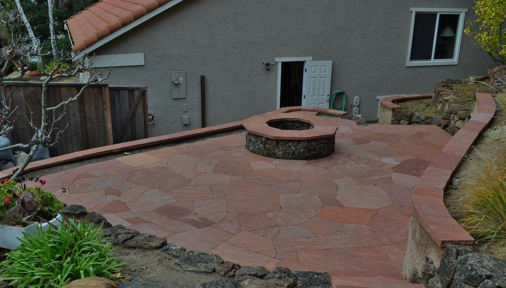 Fireside Patio   Arizona Flagstone Patio On A Sand Bed , With Wall Caps And  A