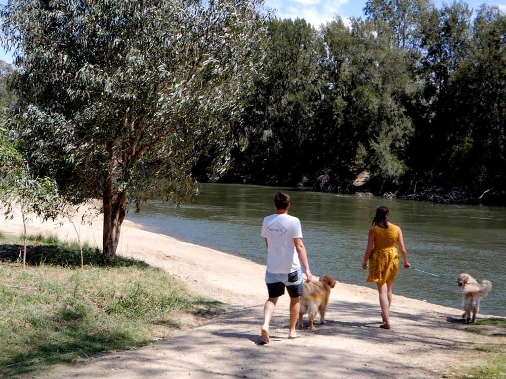 Visit-Wagga_Spring-Summer-Video-HD-Still_32.jpg
