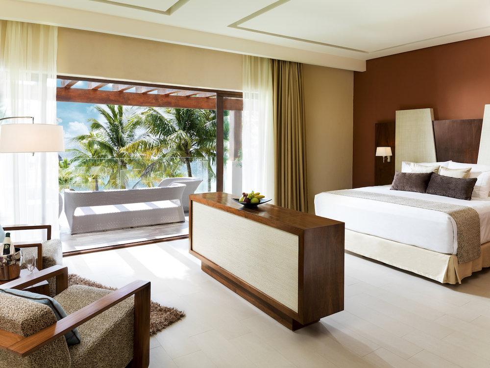 Villa Esmeralda Master Bedroom.jpg