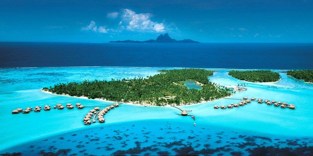 Photos courtesy of Le Taha'a Island Resort & Spa