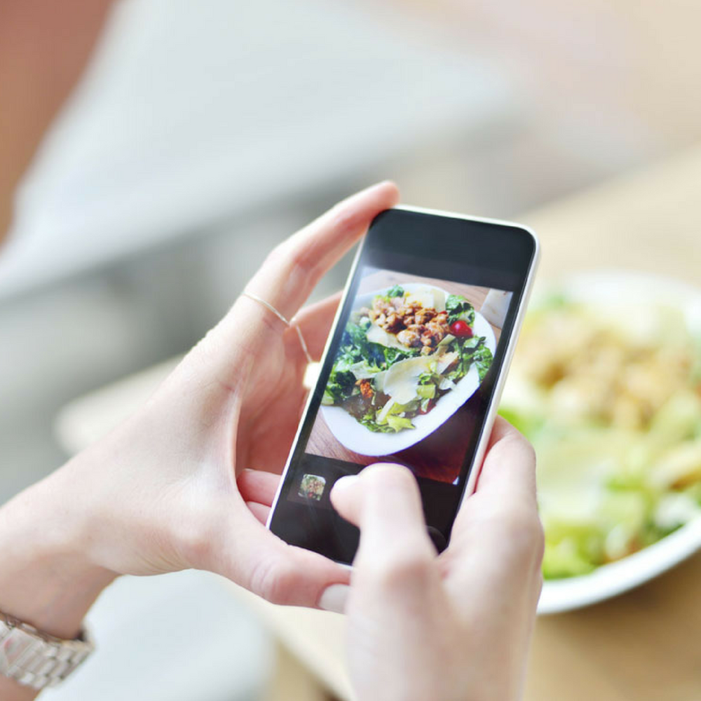 Why Restaurants Need A Social Media Presence