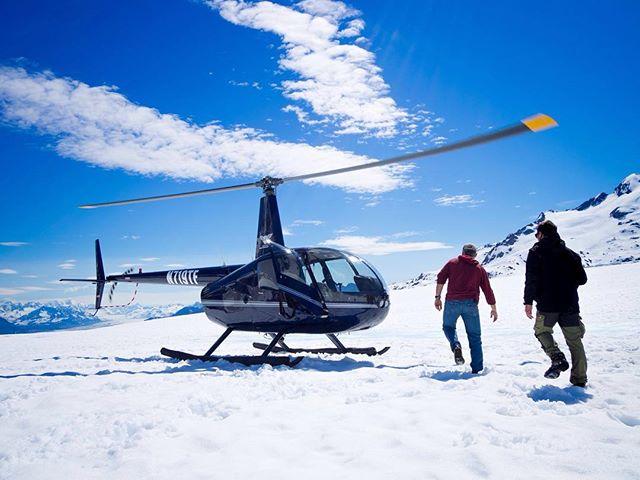 Landing on the ice at Childs Glacier.⠀ @captstever, @tjkimbo and the R44.⠀ 📷 @teal.barmore⠀ ⠀ #FlyRidgeline⠀ #captstever #Alaska #Alaskalife #AKlife #thelastfrontier #thealaskalife #flyalaska #sharingalaska #Cordova #cordovaalaska #Ilovecordova #livinginneverland #thealaskalife #travelalaska #alaskanadventure #r44 #helicopter