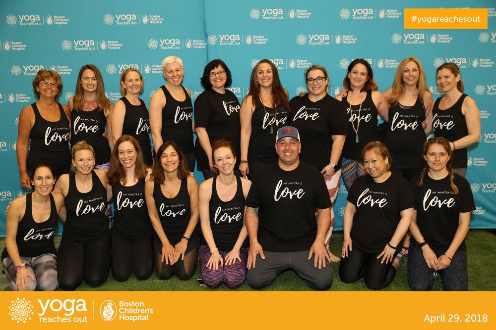 Mantra Yoga Team - Yoga Reaches Out - 2018
