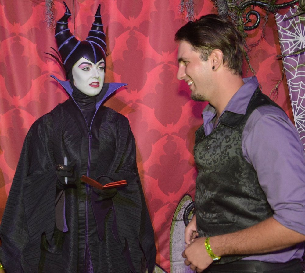 Maleficent signing autographs and cracking jokes!