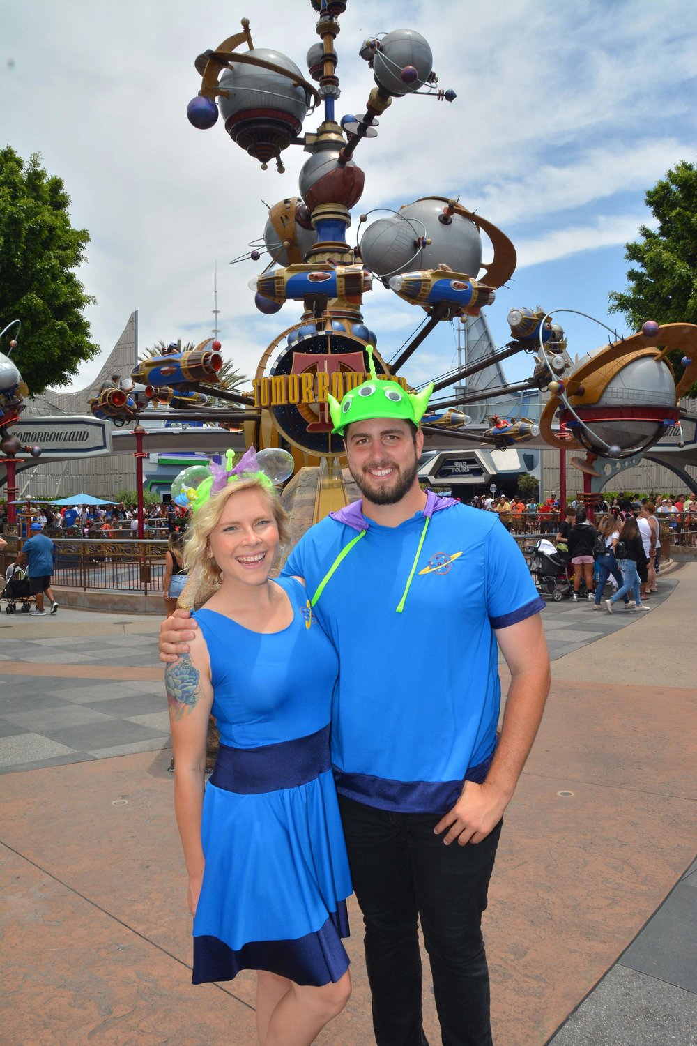 PhotoPass_Visiting_Disneyland_Park_8236814299.jpg