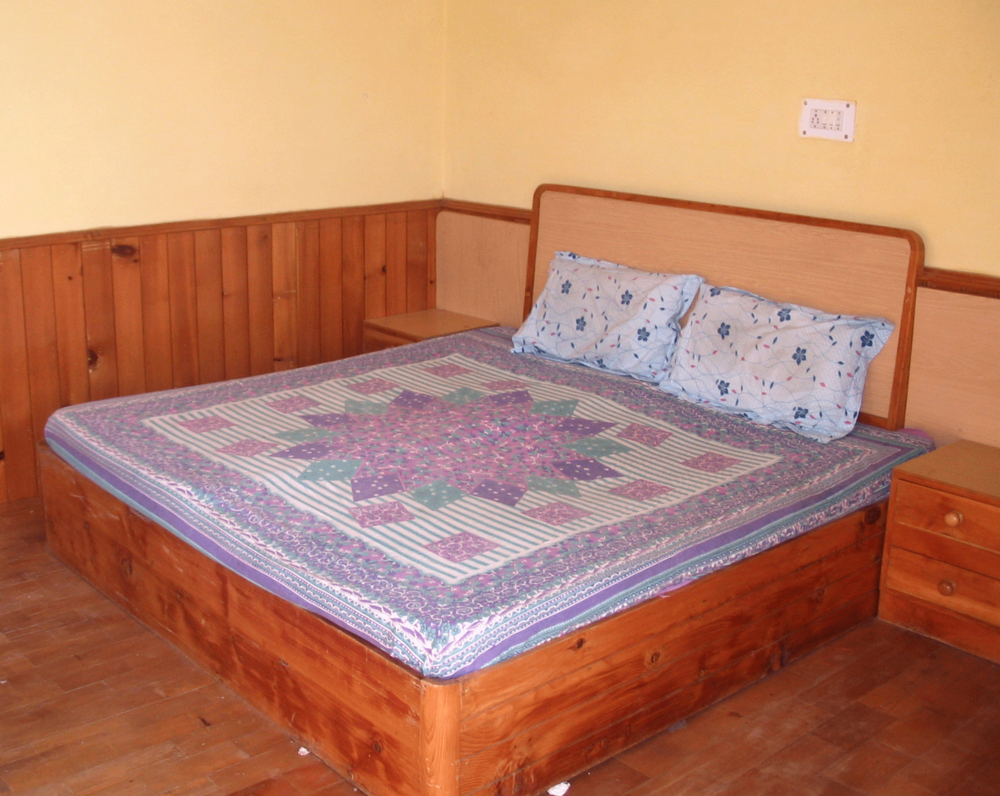 The beds can be configured into 2 twin beds
