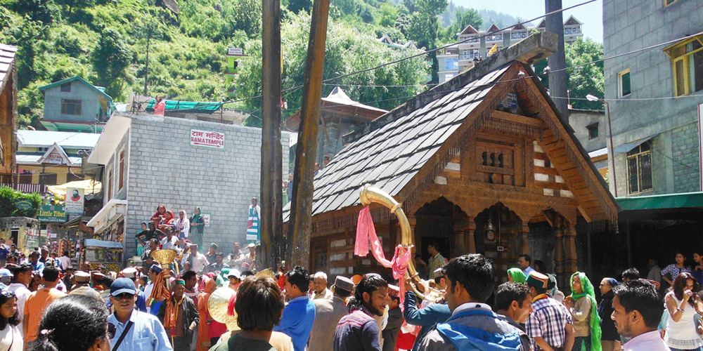 Vashisht village center. Shiva Temple.