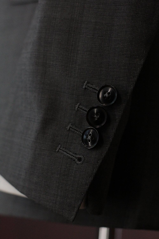 Functional Sleeve Horn Button