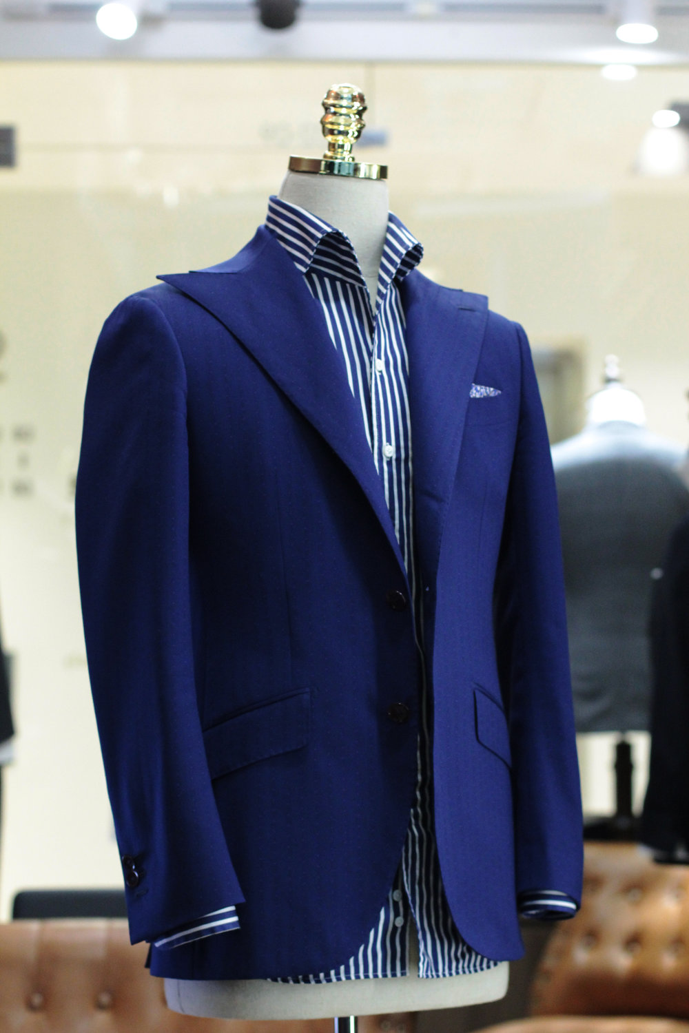 Made Suits Blue moon Peak Sparrow Lapel Suit Stylbiella Made to Measure Suit 1.JPG