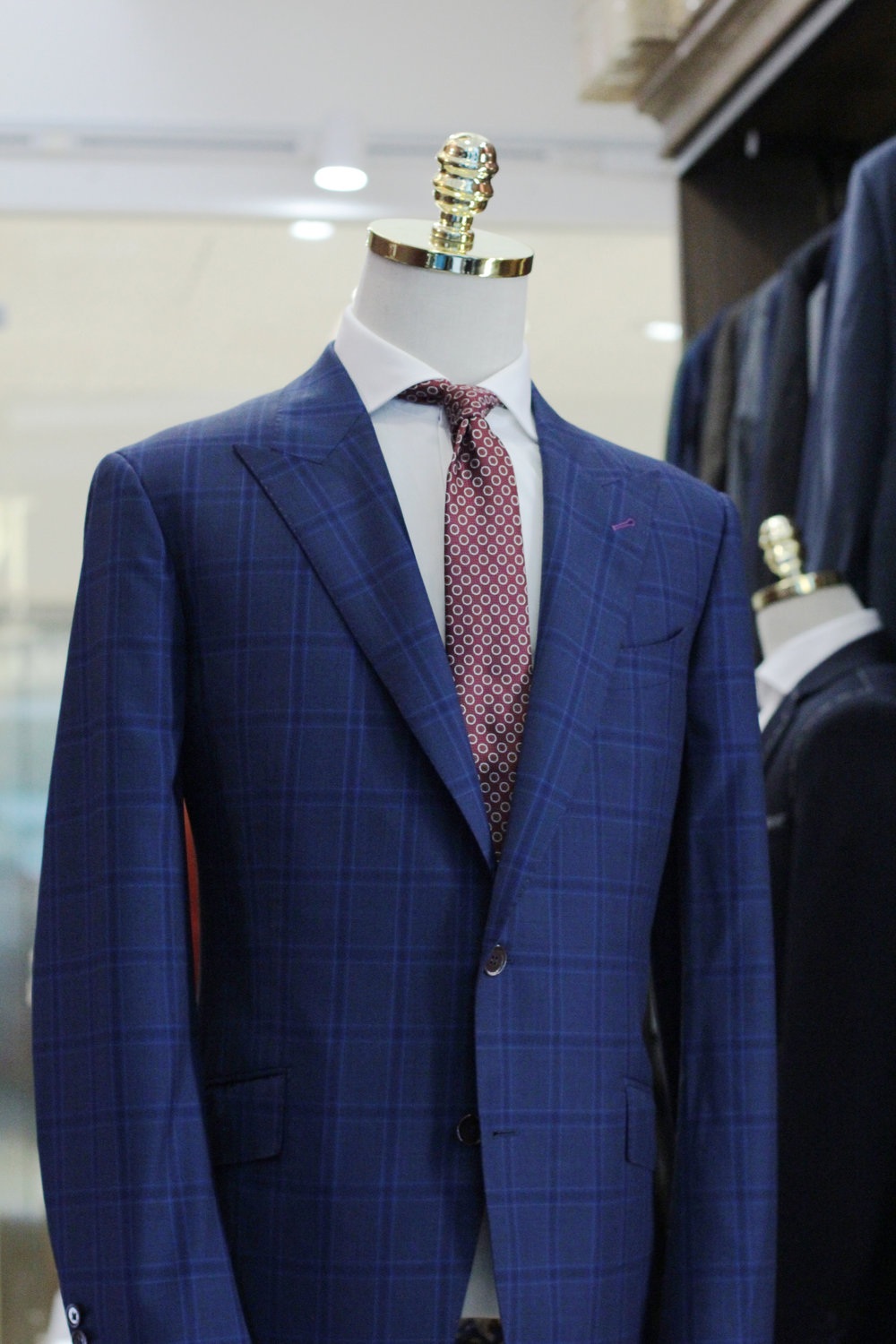 Mr Barrens Made Suits | Singapore Made to Measure | Bespoke Tailor side.JPG