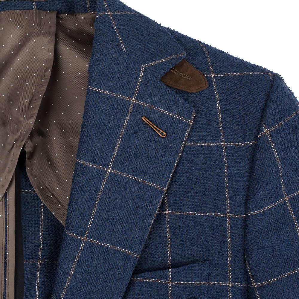 Milanese Lapel Hole.