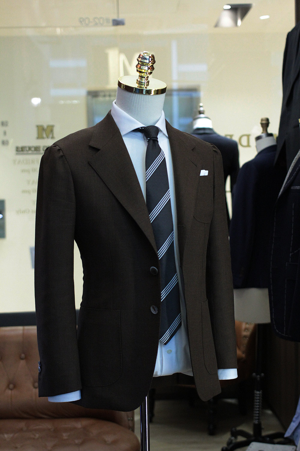 Made Suits HTC Brown by FIESTA Holland & Sherry Hopsack side view.JPG