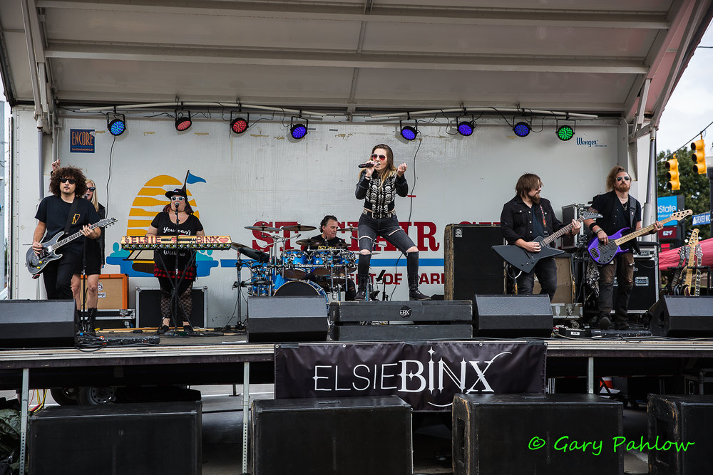 ElsieBinx-RockinTheShores-StClaireShores-MI-20180922-GaryPahlow-003.jpg