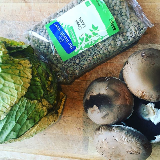 Chefs and cooks of the world! I have these 3 ingredients I want to use for dinner tonight - especially the old cabbage and the portobello mushrooms. The @thehealthstoreireland lentils might survive another day!  Looking for your best recipes/suggestions for what I can cook for our family meal tonight! If I end up cooking your suggestion, you'll win a #kiddiesfoodkutter ! Anyone who makes a suggestion, I'll DM you a special discount code for a set of Kiddies Food Kutter and Safety Food Peeler - get your (chef) thinking hats on 👩‍🍳👨‍🍳!