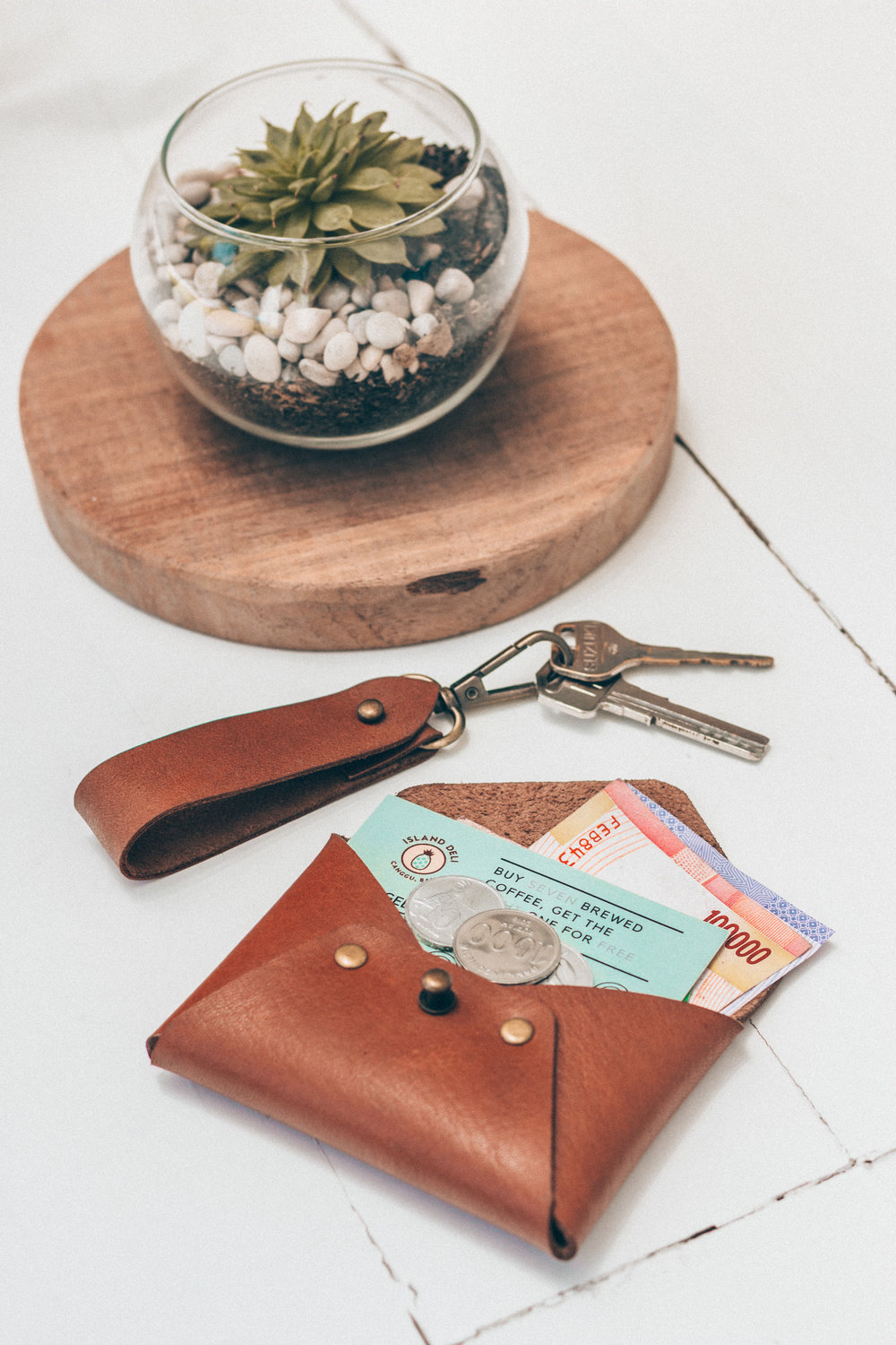 leather-wallet-keychain.jpg