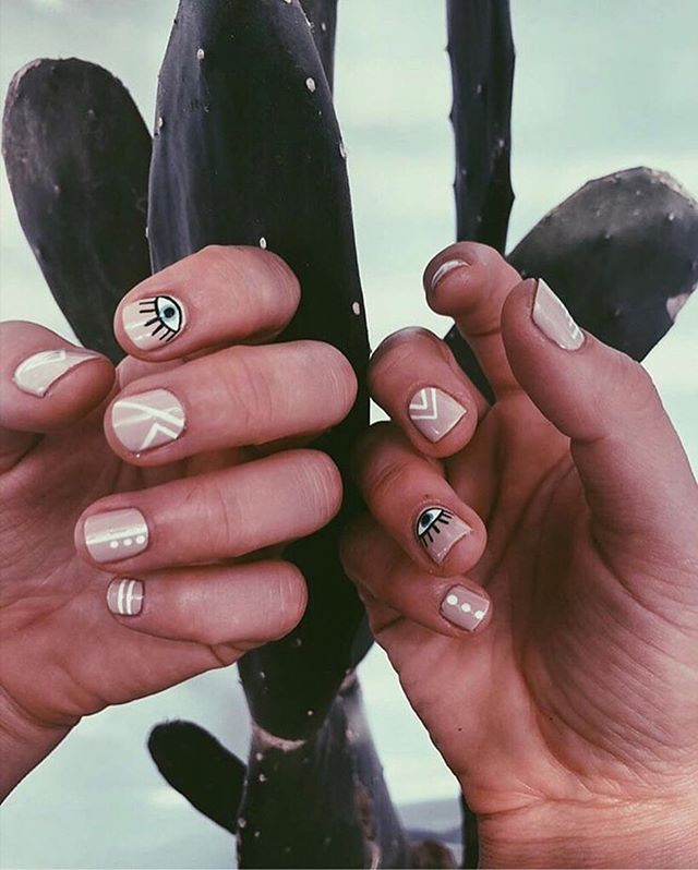 ⚡️⚡️ #Giveaway!!!! ⚡️⚡️ . Ladies! We're giving away 5 COMPLIMENTARY vegan manicures from @mariacurau_bali during our Female Entrepreneur Meetup taking place at @holidaycanggu on Wednesday October 17th in collaboration with: . @gobehere @silverislandjewellery @mohiniloveproject @holidaycanggu . . To enter: Like this post, follow @learnwithlocals and @mariacurau_bali and comment your favorite inspirational quote below! 👇🏼 . To enter you must be available between 3 - 5 pm to claim a spot for your free mani if you win! Winners will be contacted directly to organize a time (ONLY on the 17th Oct. between 3 - 5 pm! 💅🏻) . Winners will be randomly chosen on Tuesday Oct. 16th 12 PM Bali time! ⚡️⚡️ . Check our stories for more info! 👏🏻😘❤️ . Image credit 📸 @raffaella.photography.creative
