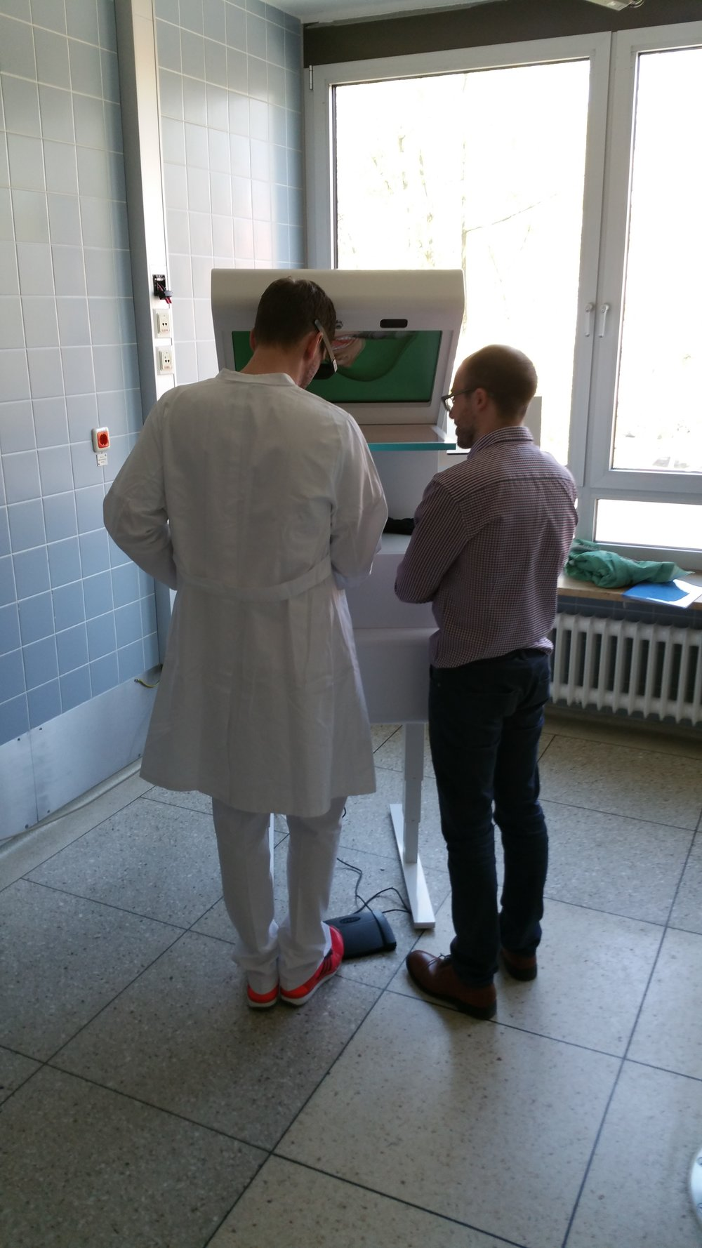 Dr. Christian Schmitt and Jonas Forsslund trying out the simulator