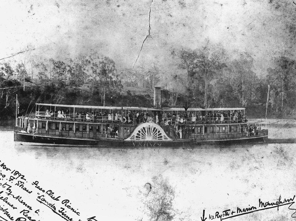 ___Paddle steamer Natone_Fotor.jpg