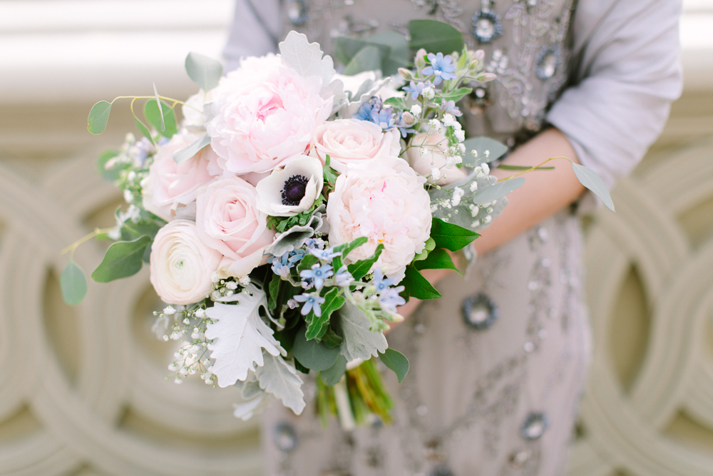 Florists - Whether you want a luxury bouquet and matching buttonhole, a flower crown and corsage or flowers for all of your guests and bridesmaids, my Manhattan based florist will create floral masterpieces to match your style and colour scheme.