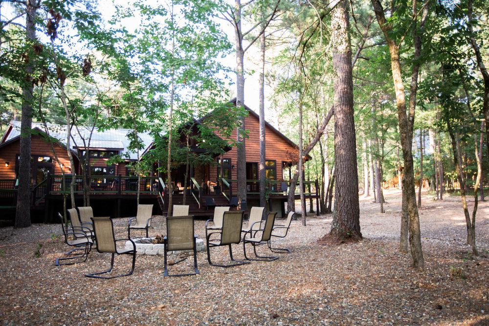 vacation spots driving distance of okc tulsa oklahoma city broken bow lake hochatown steven's gap luxury cabins hiking modern cabin rustic beaver's bend rentals scenic forest ouachita camping