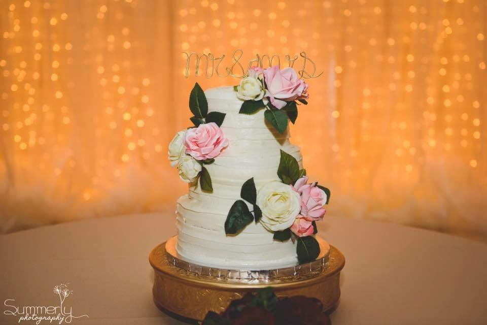 Abby S Wedding Cake Pick Taylor Made Bakery Indybride2b