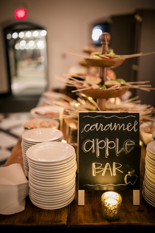 The-caramel-apple-bar-at-a-fall-wedding-at-Willowdale-Estate-New-Englands-favorite-historic-venue-in-Topsfield-Massachusetts-willowdaleestate_com_.jpg