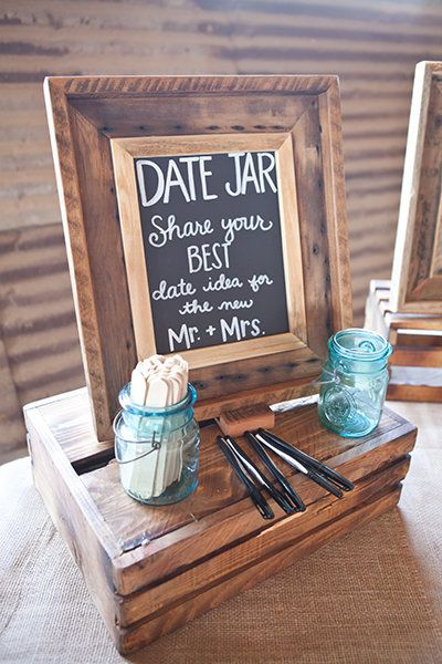Photo by    Lora Mae Photography , via   Bridal guide
