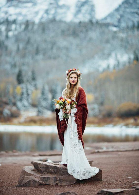 Photo by  Cat Mayer Studio  via  Junebug Weddings