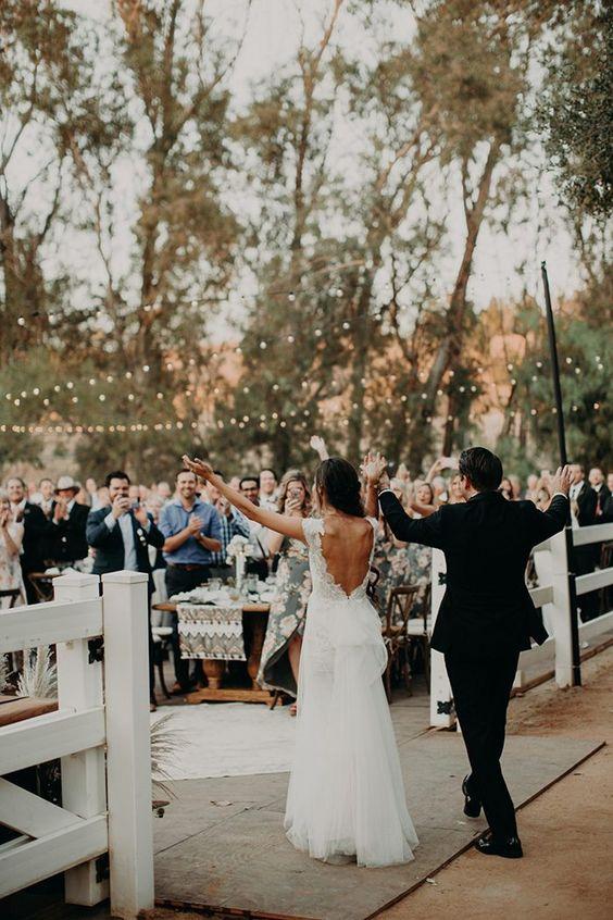 Photo via  Junebug Weddings