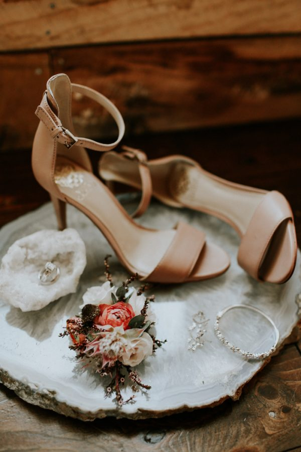 Photo via  Junebug Weddings