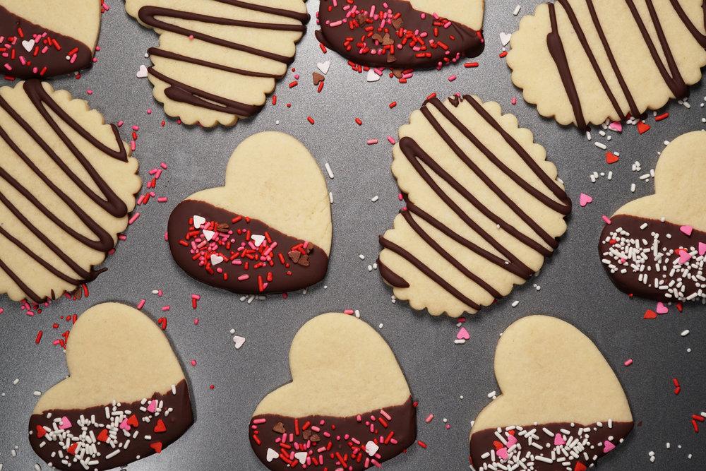 SoChatti Dipped Valentine Sugar Cookies with Sprinkles E.jpg