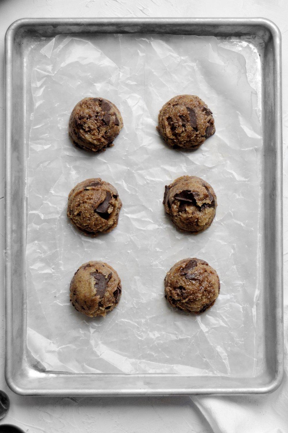 Vegan Tahini Chocolate Chunk Cookies Recipe | thymeforbreakfast.com.jpg