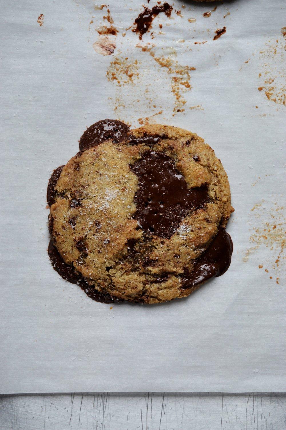 Vegan Tahini Chocolate Chip Cookies | thymeforbreakfast.com.jpg