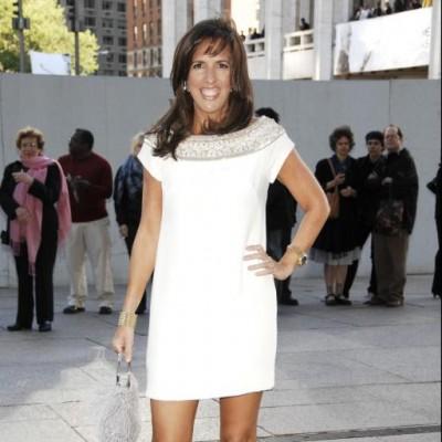 Liz in white.jpeg