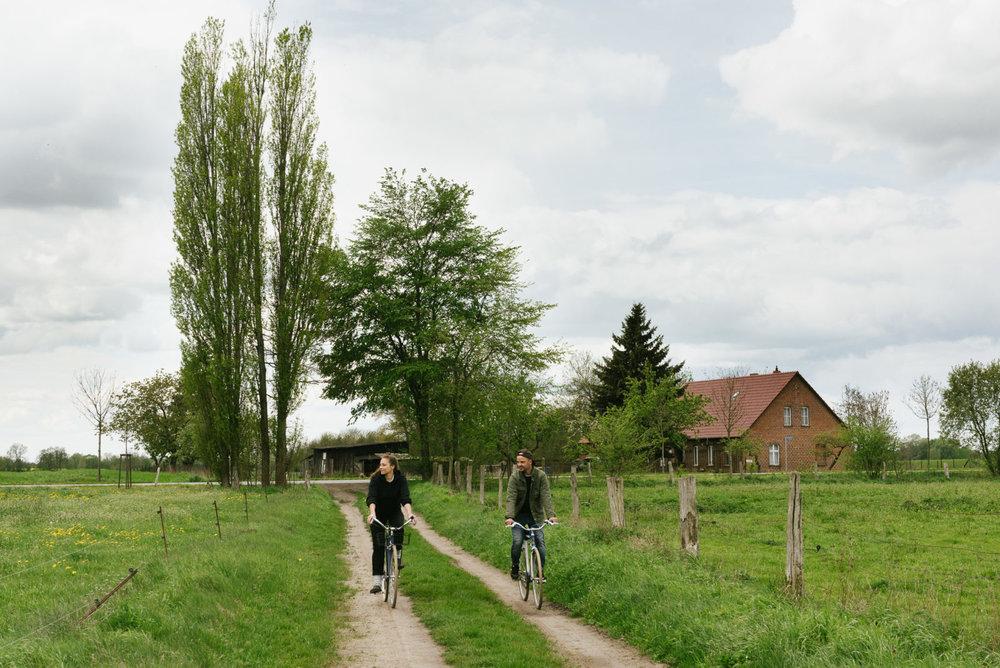 Freunde von Freunden - Interview: Stadt oder Land? Warum Anna Schunck und Marcus Werner in Brandenburg leben, aber nicht ohne Berlin können