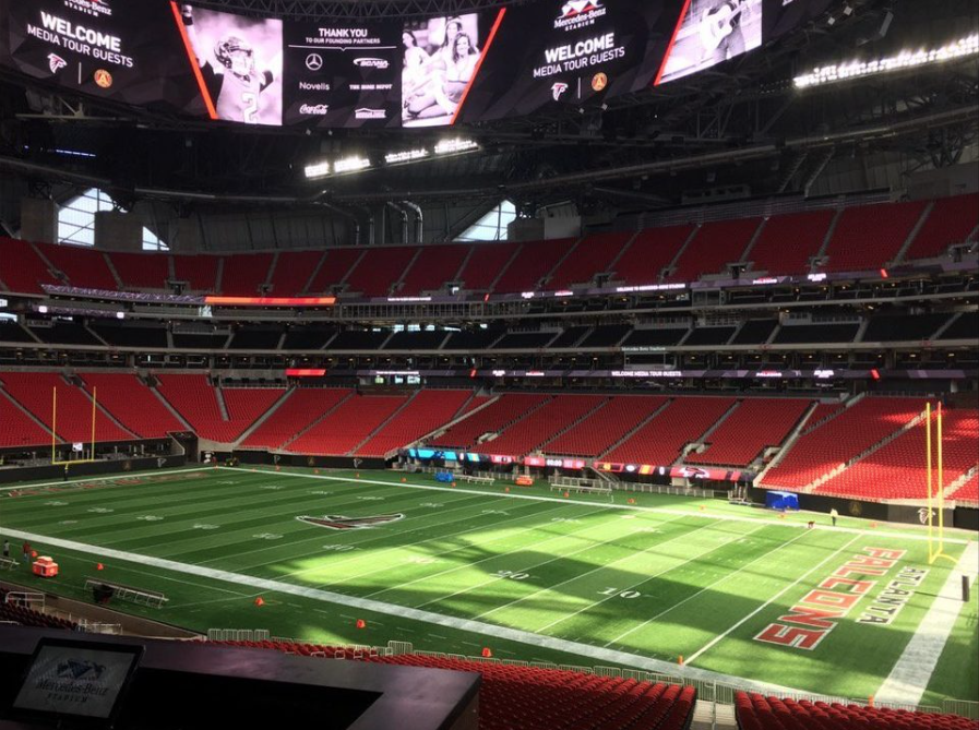 There are 1,800 wireless access points for fans to connect to free Wi-Fi at Mercedes-Benz Stadium.