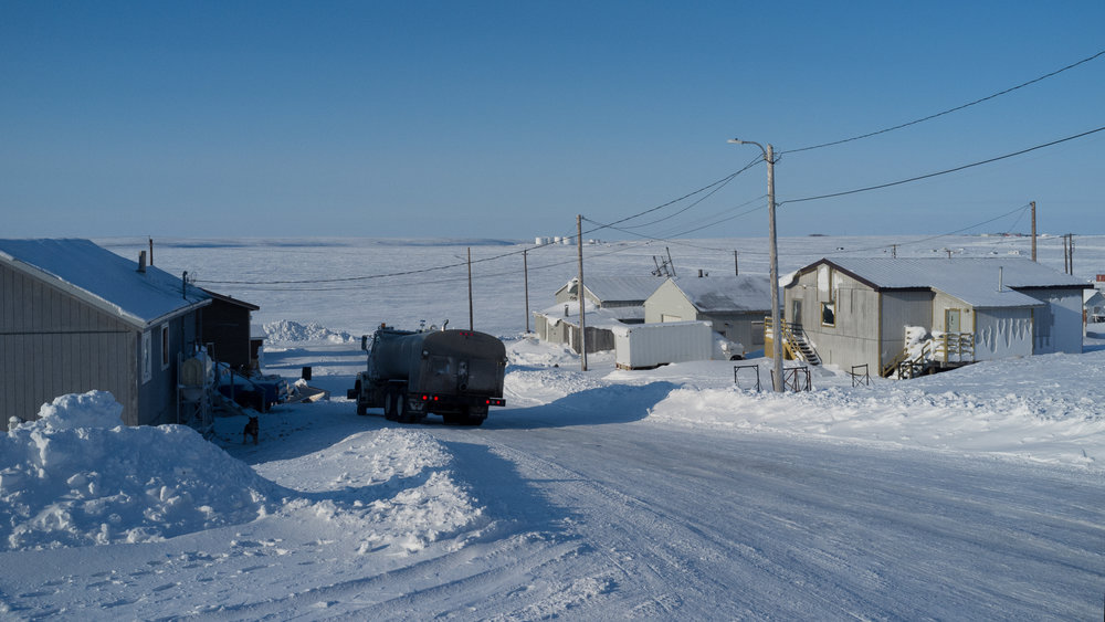 A street in Cambridge Bay (Photo: Jaap van Heusden)