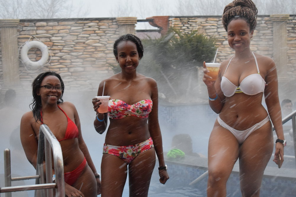 Hot tubs, snow and cocktails make a phenominal combination!