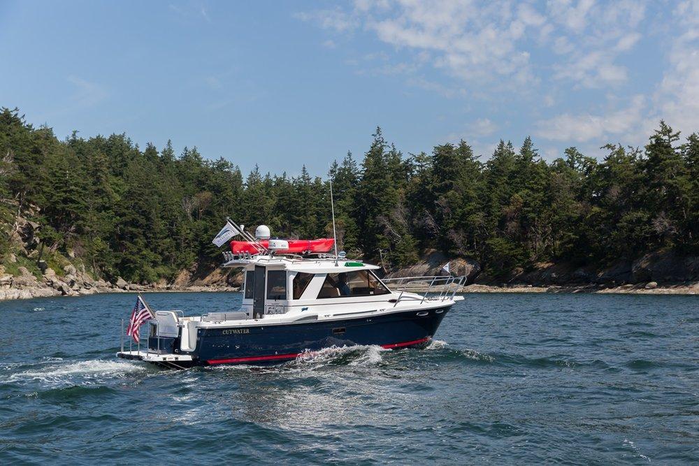 Cutwater-Boats-C-28-10-vsm-850--N.jpg
