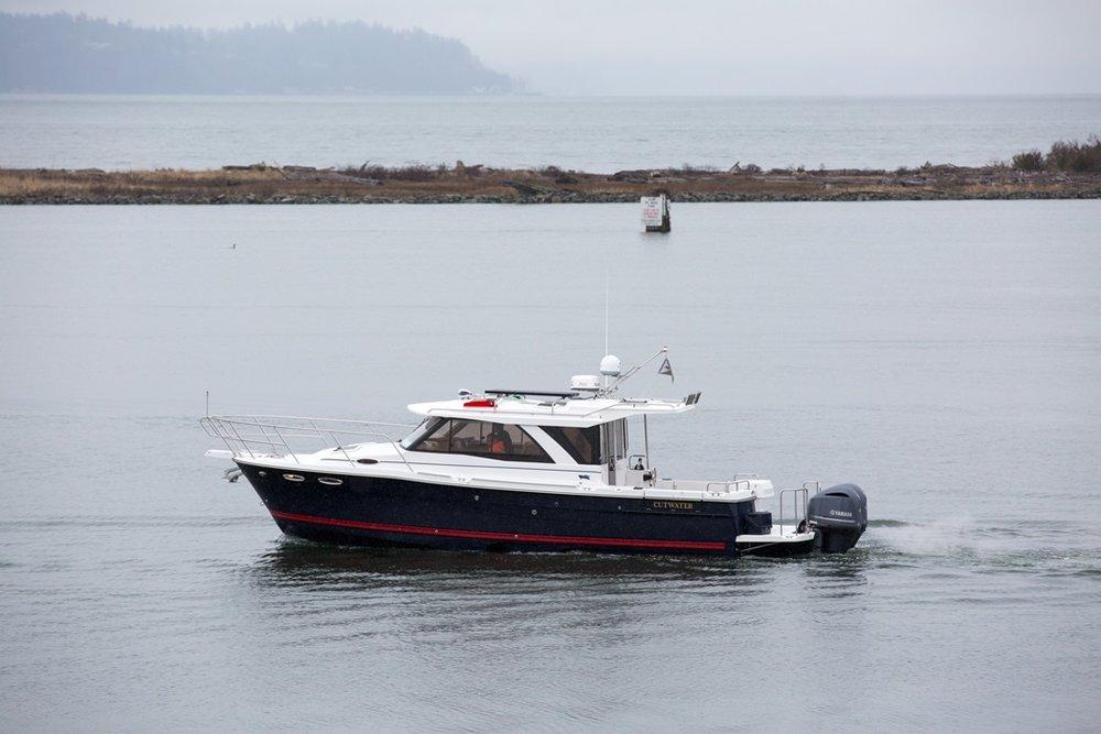 Cutwater-C-302-Coupe-5-vsm-700--N.jpg