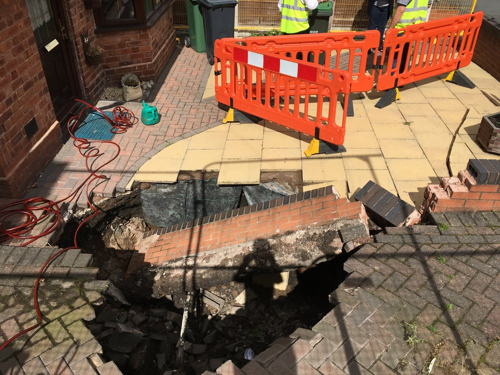 Recent Sinkhole in Wednesbury, West Midlands (Copyright: Terrafirma 2017).
