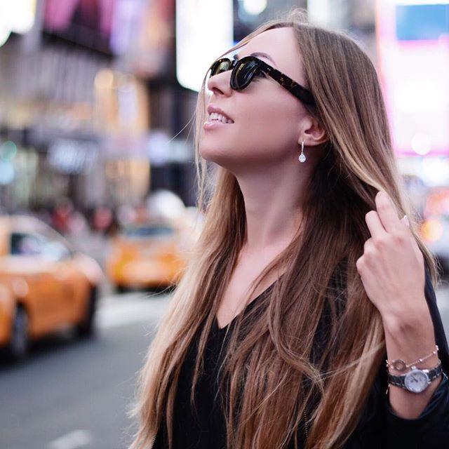 Check our tortoise sunglasses #foaknewyork at foaknewyork.com 🕶 . . . Model: @sun_shine___17  Photo: @katya_newyork