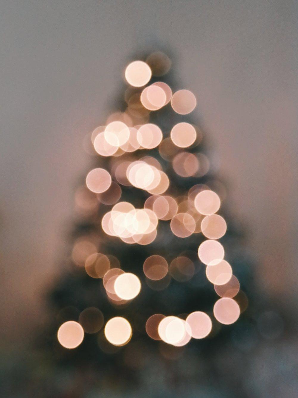 blurred-bokeh-christmas-253342.jpg