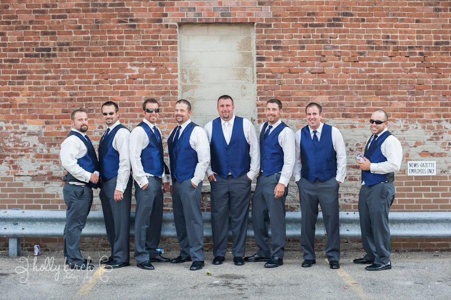 Groomsmen relaxed portraits