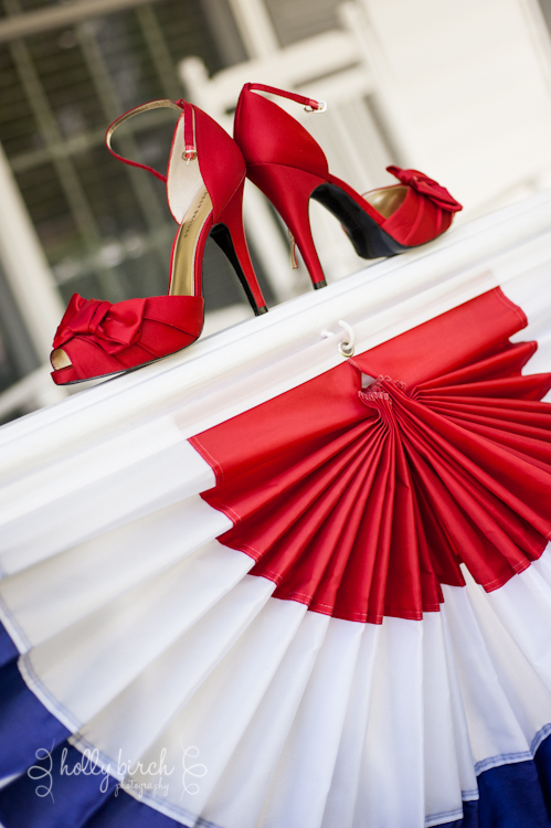 bride's red shoes
