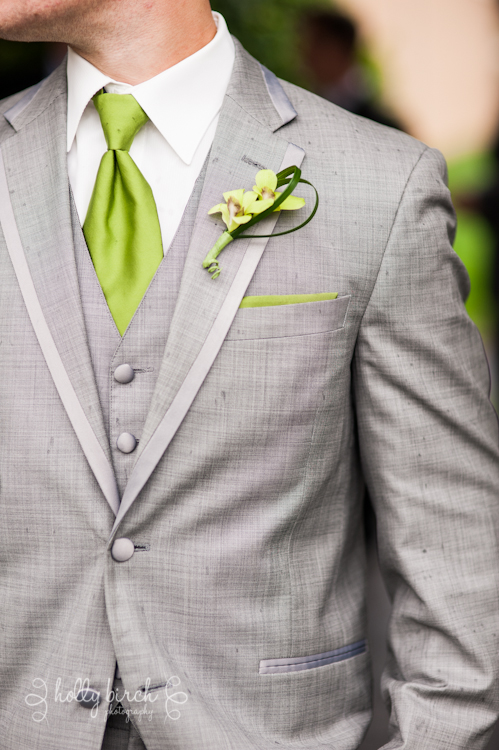Groomsmen gray suit vest boutonneire tie pocket square
