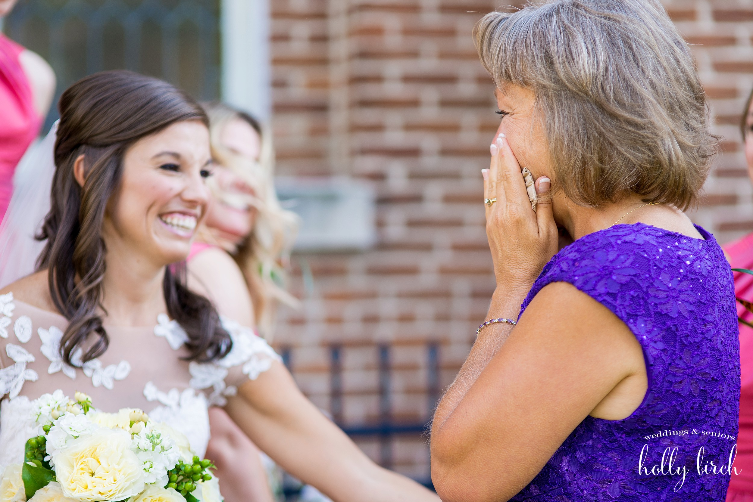 mother-in-law sees bride for the first time